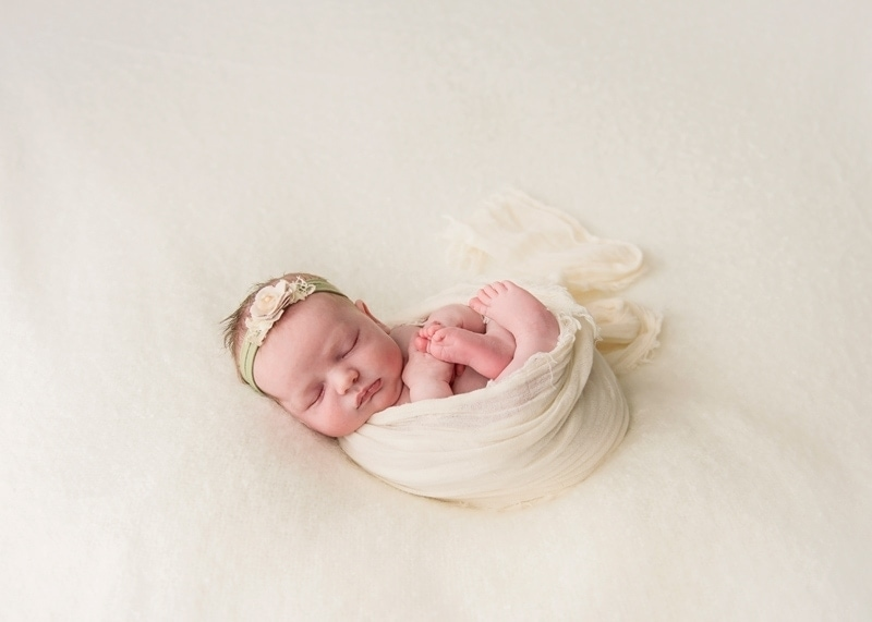 Baby Photography, little girl with cream colored flower headband